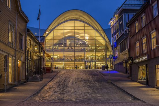 Bibliotek, Public Library in Tromso (photo credit Foap zettel Tromso)